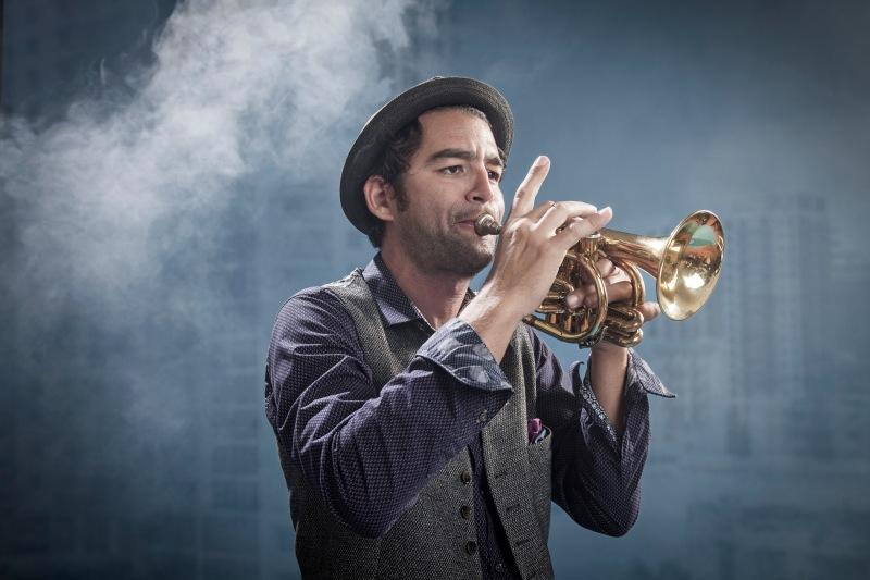 Vincent-Raffard-French-Horn-by-photographer-Sonya-Revell